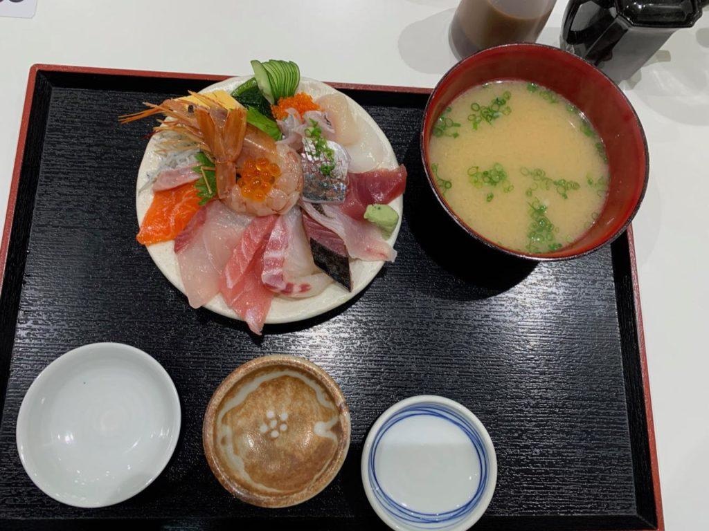 みやざき【長谷川水産海鮮丼12
